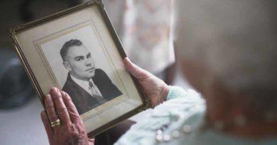 Индустрия смерти: приложения позволяют общаться с умершими